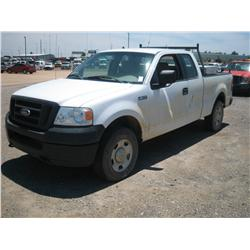 2005 FORD F150 XL, 4X4, 4DR EXT CAB,