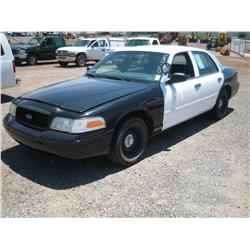 2002 FORD CROWN VICTORIA POLICE BLACK & WHITE,