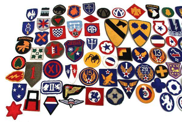COLLECTION 100 VARIOUS US MILITARY CLOTH PATCHES