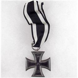 IMPERIAL GERMAN 2ND CLASS IRON CROSS W/ BLACK AND WHITE SILK RIBBON