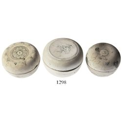 Lot of 3 Chinese stoneware powder-boxes (round, lidded).
