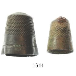 Pair of brass thimbles (intact).