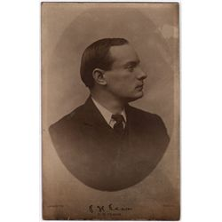 1916 Rising: Padraig Pearse collection including badge, postcard and book