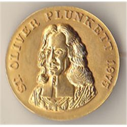1975 Canonisation of St. Oliver Plunkett French commemorative medal and two badges