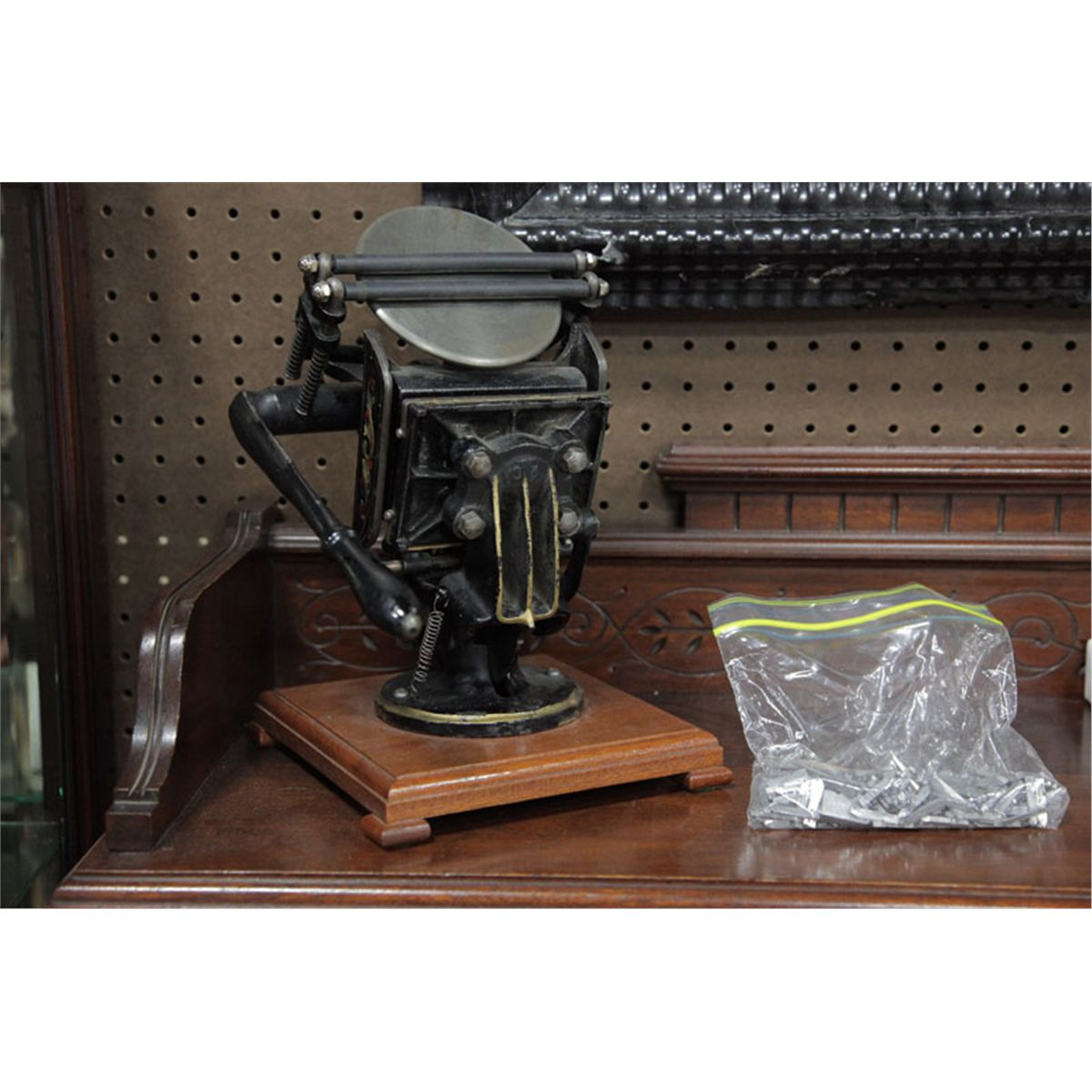 MINIATURE PRINTING PRESS WITH TYPE  Black painted cast iron