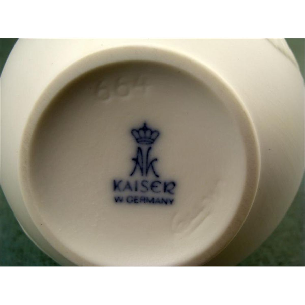 Kaiser W  German Bisque Vintage Flower Vase 664