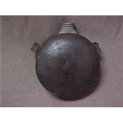 Round tin Civil War canteen, minor denting