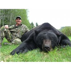 5-day Island Black Bear hunt for one hunter and one non-hunter on Vancouver Island, Canada - include