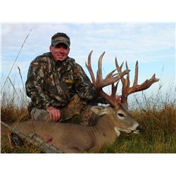 4-day white tail deer/elk hunt for one hunter and one non-hunter in Saskatchewan Canada - includes t