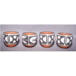 4 Santo Domingo miniature pots