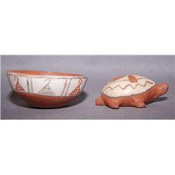 2 Santa Ana pottery items