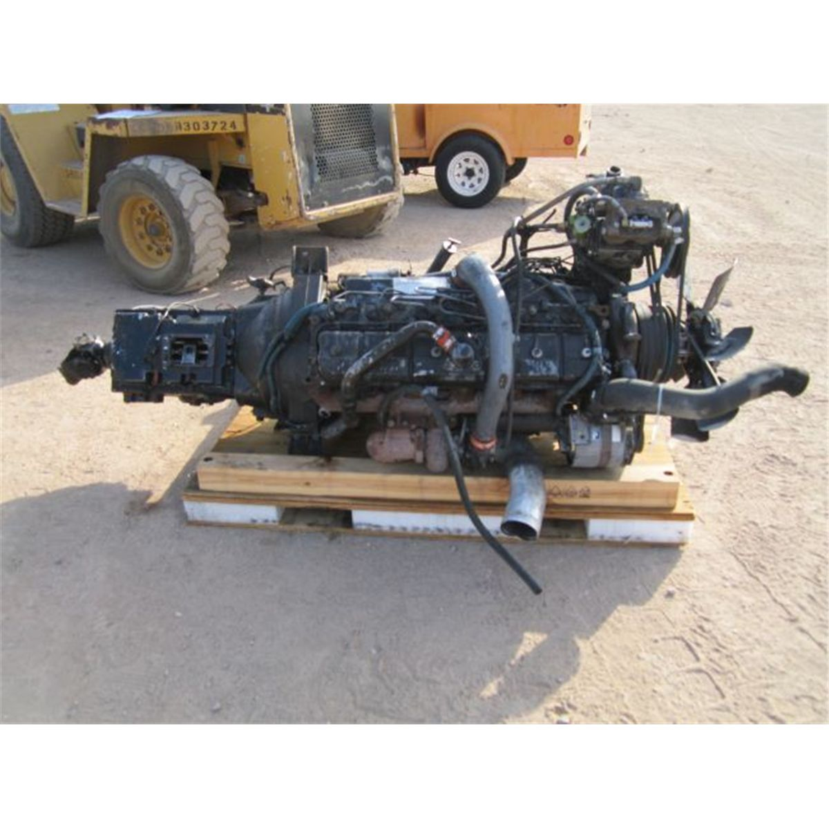 International DT466 Turbo Diesel Engine & Transmission