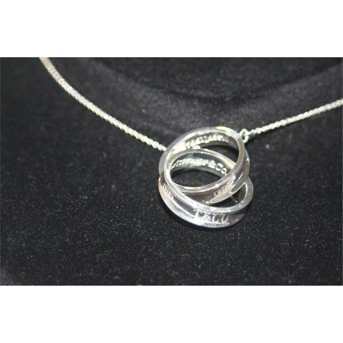 aa11121a2 Tiffany & Co. Beautiful Double Ring Necklace