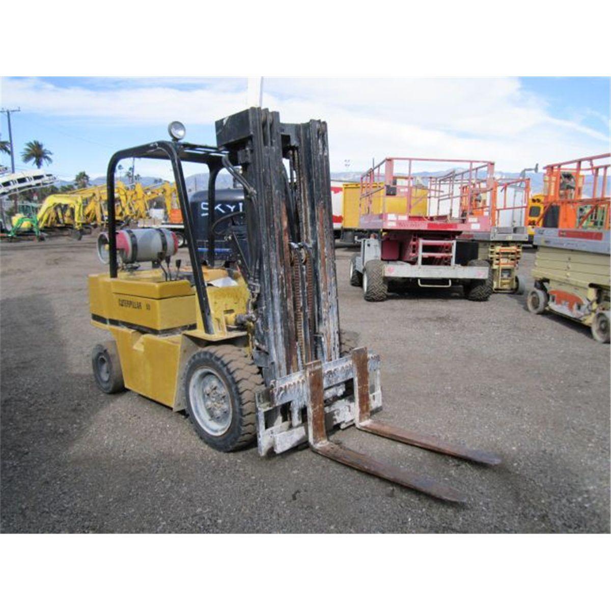Caterpillar V50D Warehouse Forklift