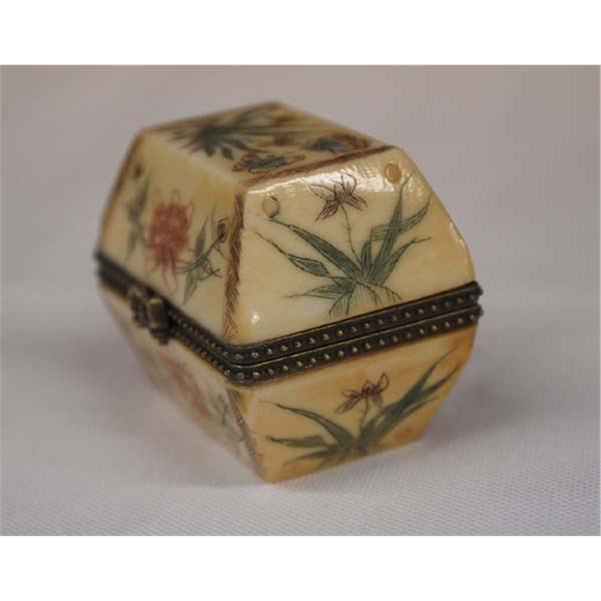 Scrimshaw Carved Bone Pill Box