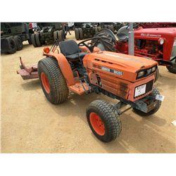 KUBOTA B8200 FARM TRACTOR W/ MOWER