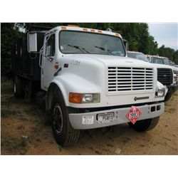1995 INTERNATIONAL 4700 S/A FUEL & LUBE TRUCK