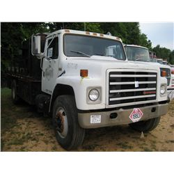 1989 INTERNATIONAL S1900 S/A FUEL & LUBE TRUCK
