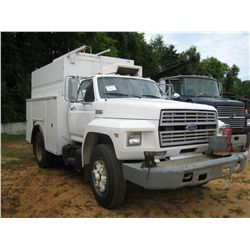 1988 FORD F700 S/A ENCLOSED SERVICE TRUCK