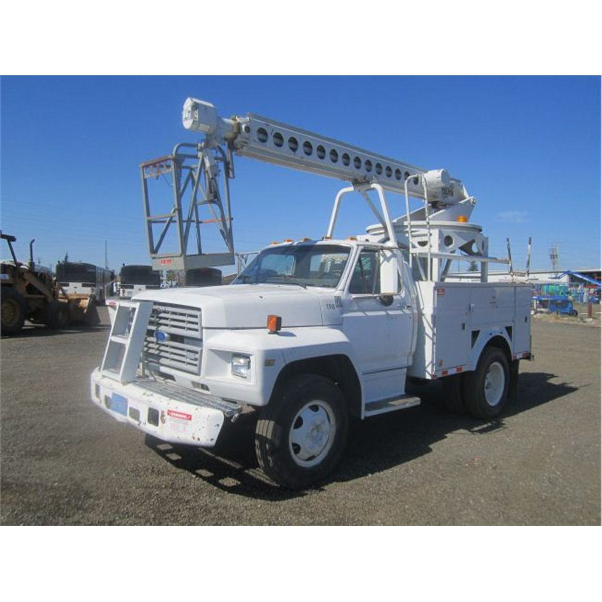1986 Ford F600 S/A Bucket Truck