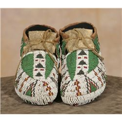 Northern Plains Child's Ceremonial Moccasins, 19th century