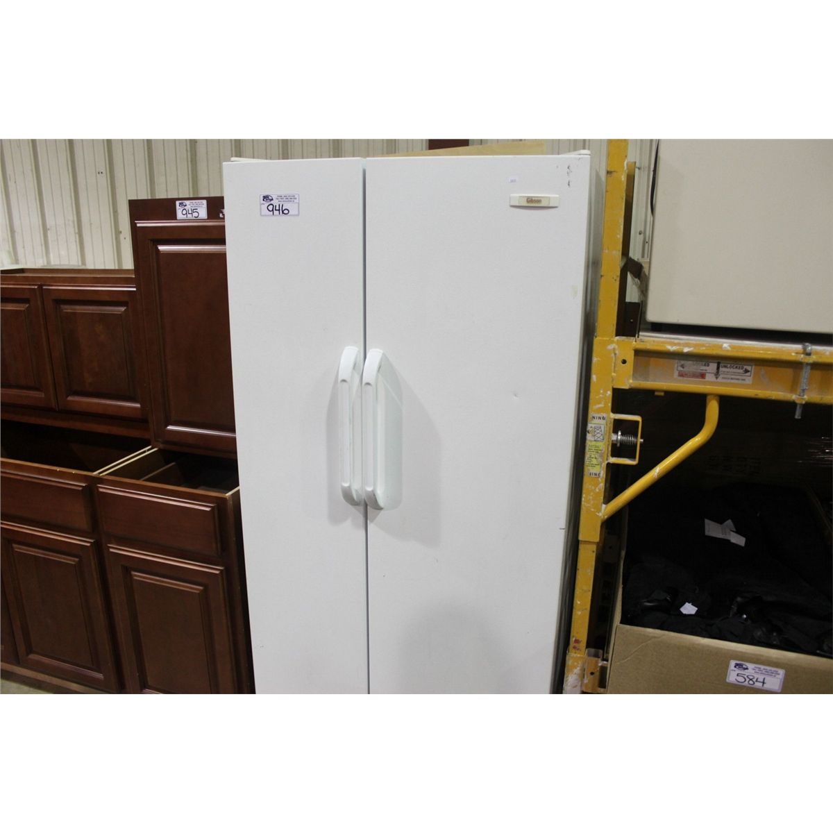 GIBSON SIDE BY SIDE REFRIGERATOR