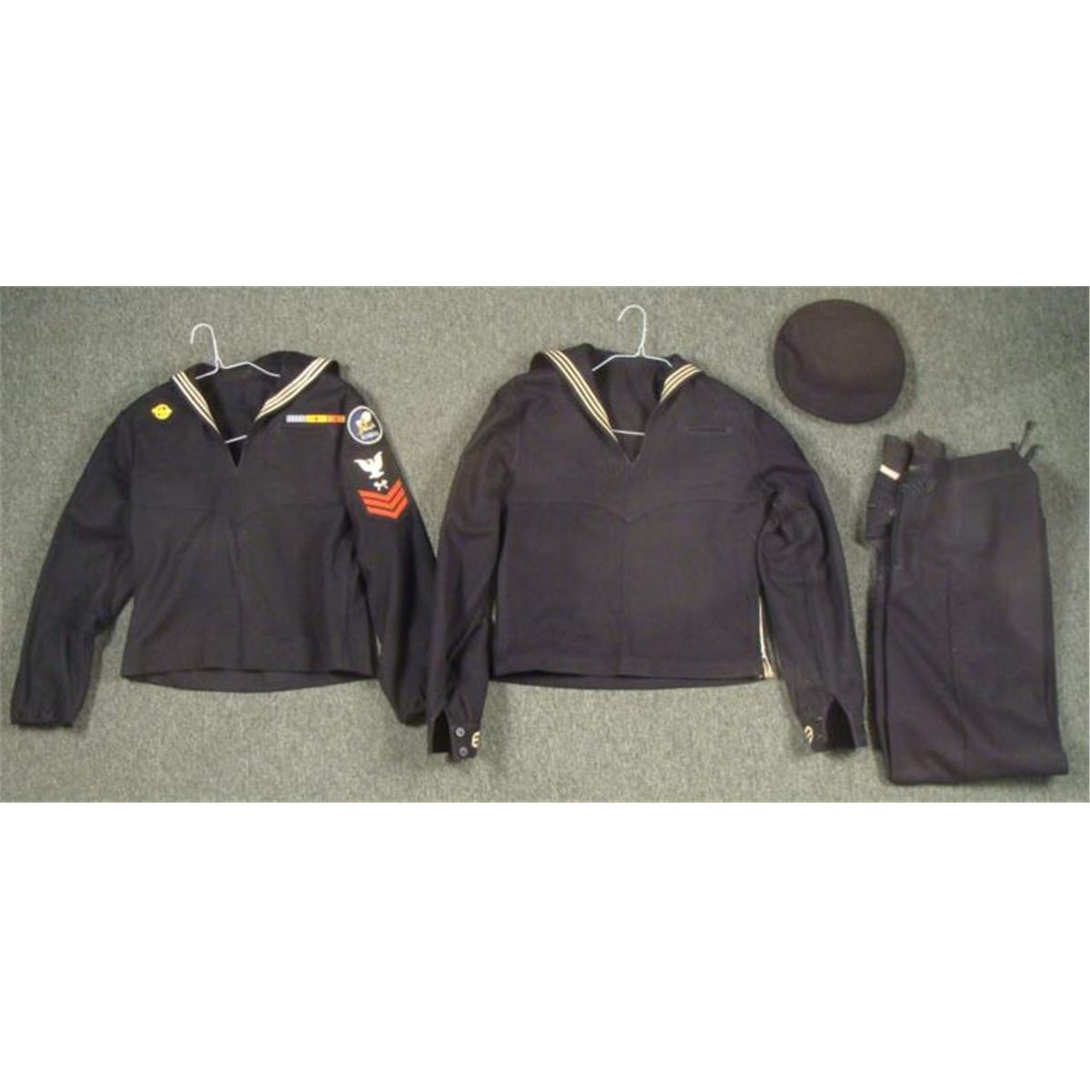 4 PC WWII US NAVY SEEBEES COMPLETE UNIFORM