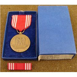 WWII U.S. GOOD CONDUCT MEDAL & RIBBON BAR IN BOX 1944