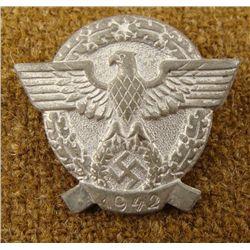 1942 NAZI POLICE BADGE-EAGLE & SWASTIKA IN WREATH PINBK