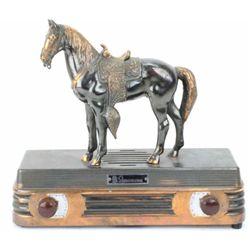 Abbotwares vintage horse radio complete with Bakelite knobs, overall very good condition, powers up