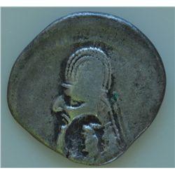 Orodes I (90-80 BC)                                     - AR-Drachm   Obv: Diad and cuir. hd.l. unkn