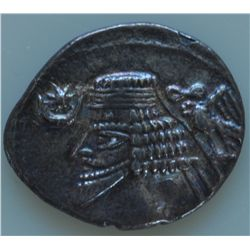 Phraates IV (38-2 BC) - AR-Drachm  Obv: Diad. and cuir. bust l. with pointed beard, eagle r. wreath,