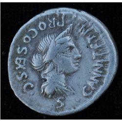 C. Annius T.f. T.n Luscus and L. Fabius L.f. Hispaniensis (82-81 BC) - AR-Denarius Obv: CANNI T F T