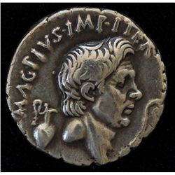 Sextus Pompey  (42-40 BC) - AR-Denarius Obv: Bare head of Pompey the Great r. between jug and lituus