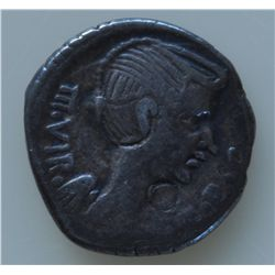 Mark Antony (42 BC) - AR-Quinarius Obv: Winged head of Fulvia r.,  III VIR R P C  Rev: Lion walking