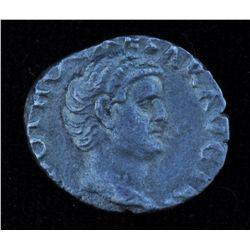 Otho (Feb/Mar 69 AD) - AR-Denarius   Rome   Obv: Bare hd. r.,  IMP OTHO CAESAR AVG TR P  Rev: Securi