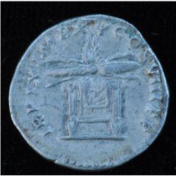 Titus (79-81 AD) - AR-Denarius  Rome 80 AD. Obv: Laur. hd.l., IMP TITVS CAES VESPASIAN AVG P M    Re