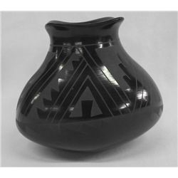 Mata Ortiz Black on Black Jar - Socorro Reyes