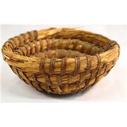 1890 Pima Wheat Straw Basket