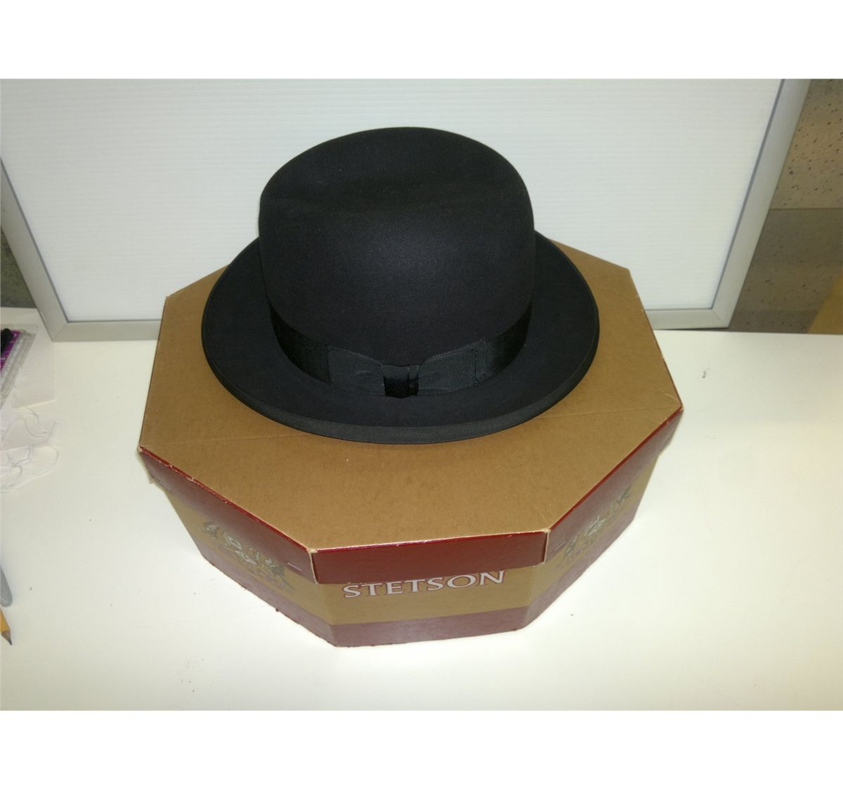 8e50365fc3990 Loading zoom · Image 1   Royal Stetson hat with box from Hudson bay company  in Vancouver ...