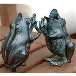 Pattycake Frogs Sculpture