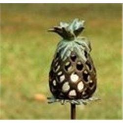 Pineapple Lantern Stake