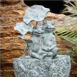 Frog Lovers Wall Fountain