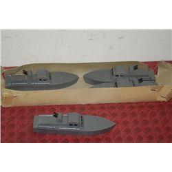 PT FLEET - 4 WOODEN BOATS - MOSQUITO TORPEDO - ORIGINAL BOX