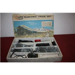 LIONEL ELECTRIC TRAIN SET - ORIG. BOX