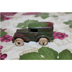 "4"" IRON CAR AUSTIN W/ HARD RUBBER TIRES"