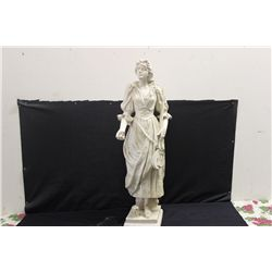 STATUE OF WOMAN - COMPLETE DESCRIPTION COMING SOON