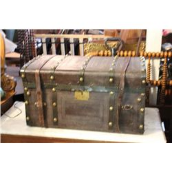 GREAT JENNY LIN TYPE LEATHER CASED TRUNK - FULLY DETAILED PLUS BRASS BUTTONS
