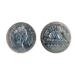 FIVE CENTS. Canada. 1996. A misaligned die error. The reverse is centered, the obverse is off-center