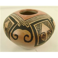 Hopi Pottery Jar - Nyla Nampeyo Sahmie